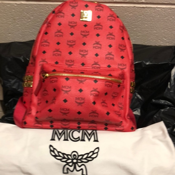 83c13c057 AUTHENTIC MCM LARGE BACKPACK. M_5bc8a406aa8770e73f07f765